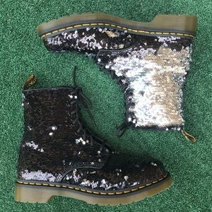 NWT Dr. Martens 1460 Pascal Sequin Boot Black 10